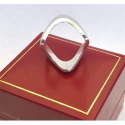 ring with 3 wave